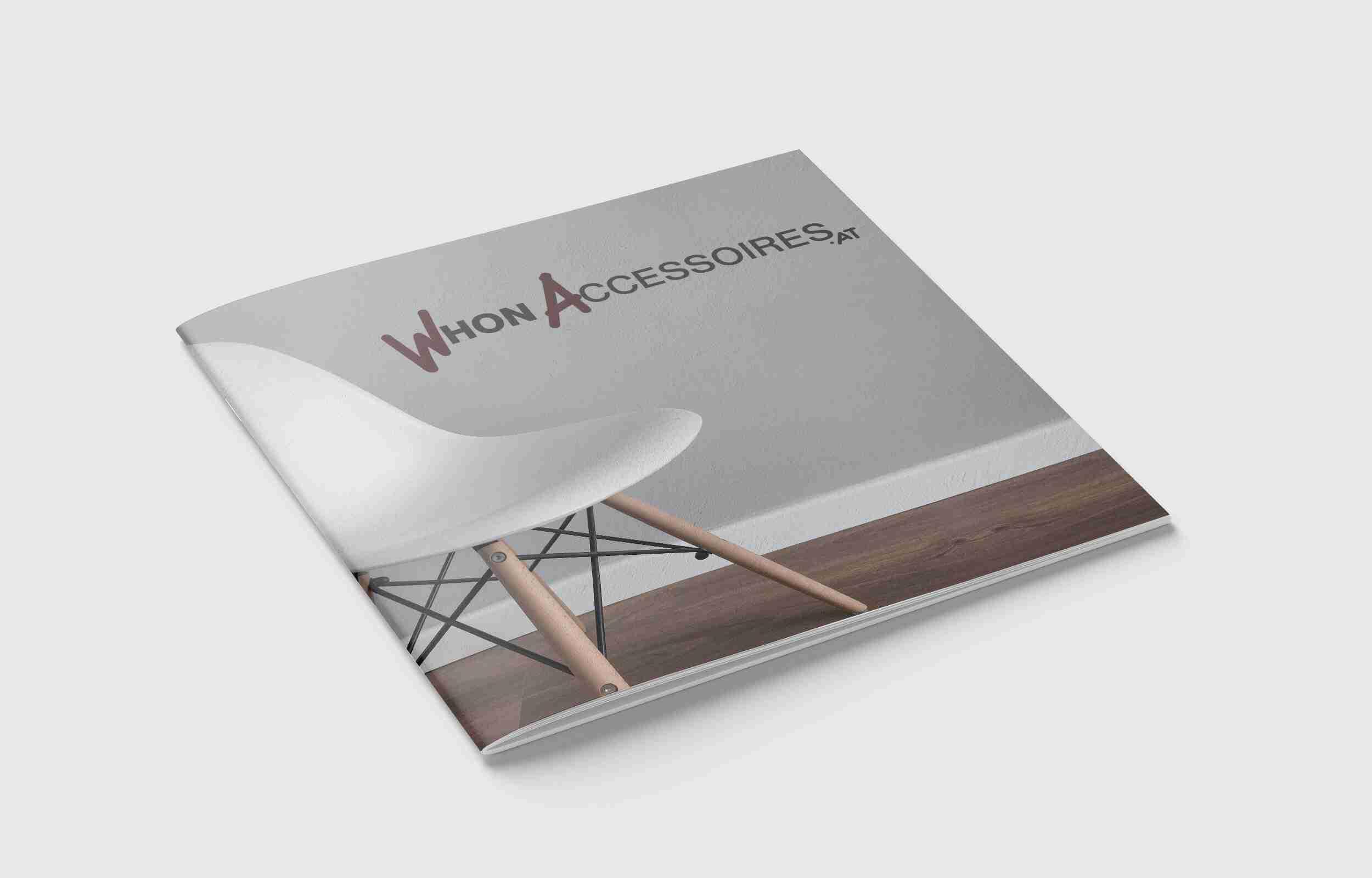 Wohn Accessoires logo colore su brochure Lorenzdesign studio grafico